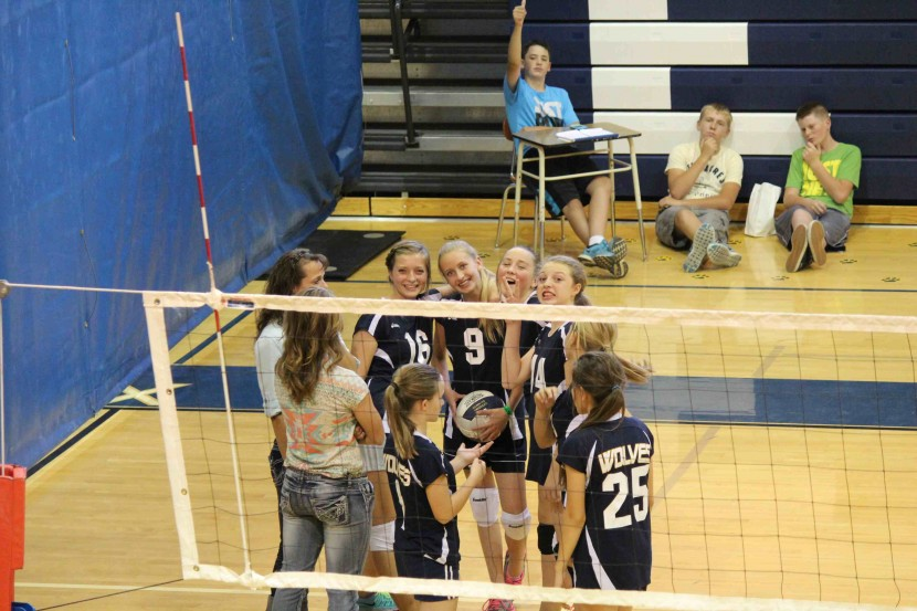 7th Grade Volleyball Defeats Beaver