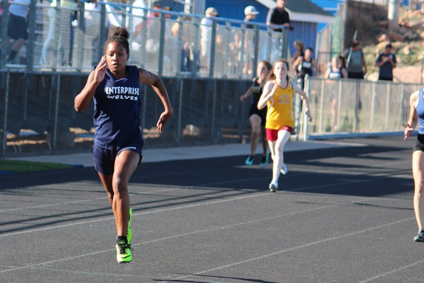 EHS Track and Field Set 34 Personal Records at Dixie Invitational