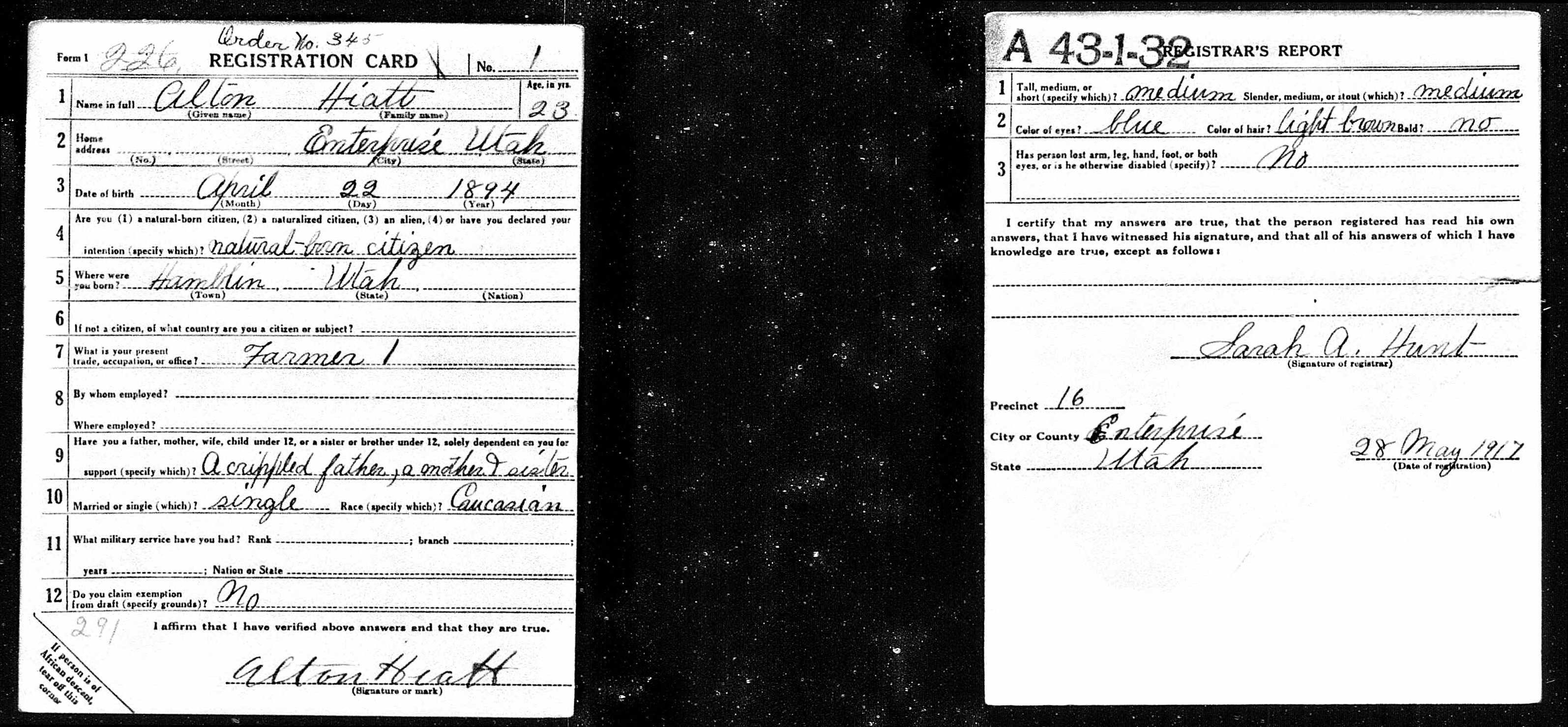 Alton Hiatt's draft card. Photo credit: Ancestry.com