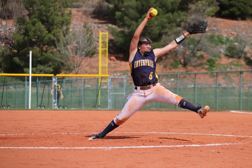 Laub Throws Shutout As Enterprise Wolves SB Varsity Defeats Kanab