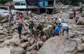 Colombia mudslides kill at least 200 after rivers burst their banks